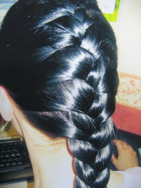 колосок на длинных волосах