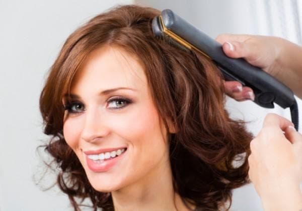как накрутить волосы выпрямителем