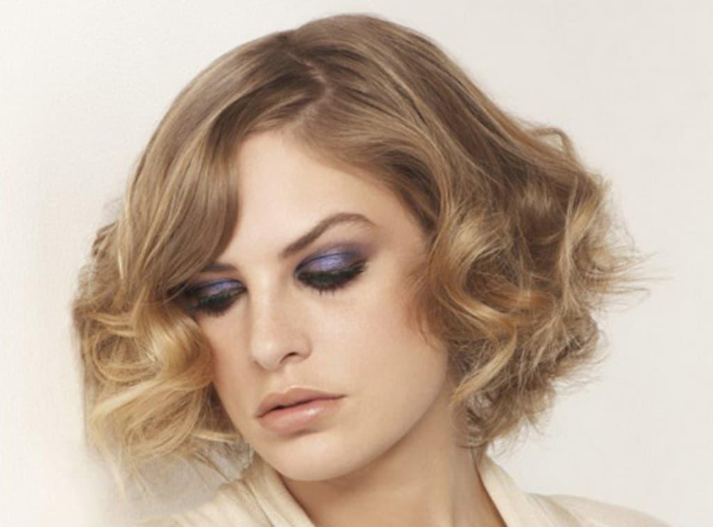 Локоны утюжком на короткие волосы: как сделать? А также, как накрутить кудри и пошаговое фото укладки?