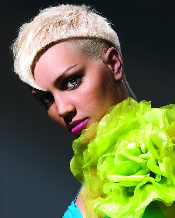 женская стрижка с выбритыми висками