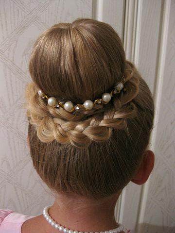 пучок на детских волосах
