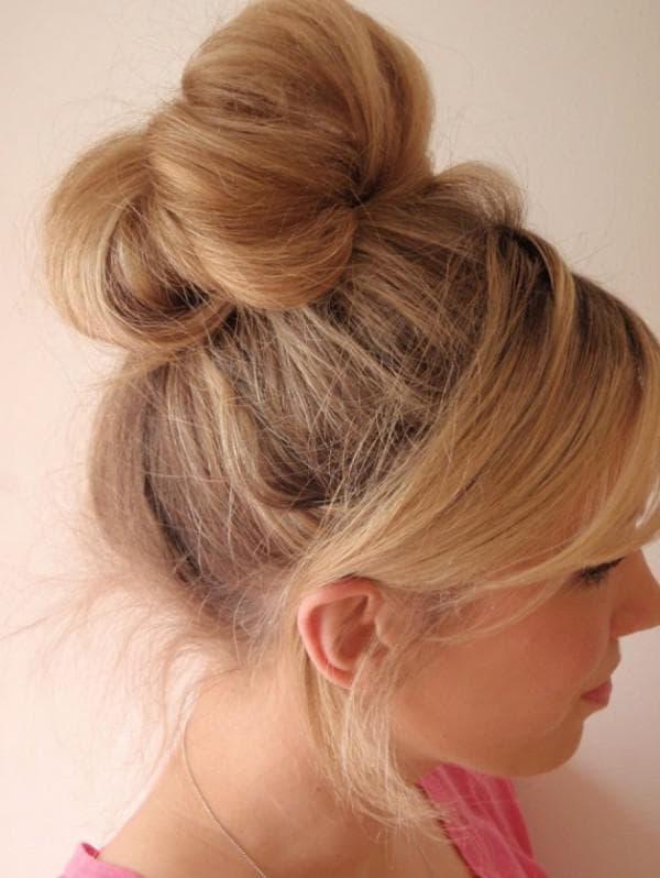 волосы, собранные в пучок