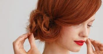 Как уложить волосы на бок
