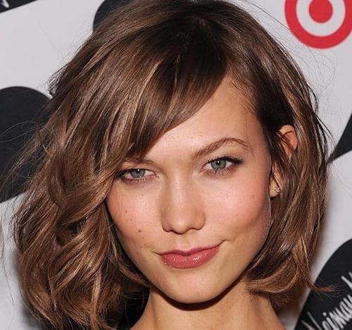 Объемные стрижки на средние волосы с челкой